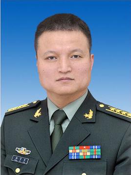 国防部原发言人杨宇军退出现役:对家庭亏欠太多