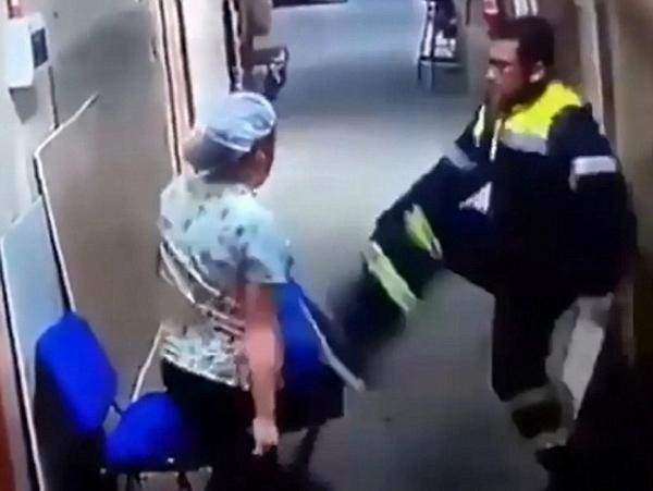 令人发指!智利男医生暴力殴打怀孕女护士