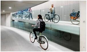 荷兰开放世界最大自行车停车库 仍无法满足需求