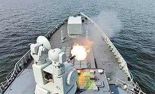 中俄海上联合军演影像很霸气