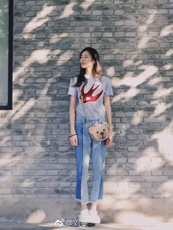 漂亮的皮囊那么多,请把有趣的灵魂像刘雯一样用在包包上!
