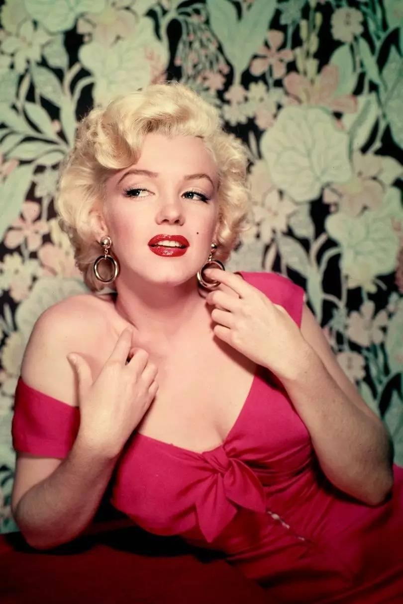 梦露离开人世 55 年了,你还以为她只是个性感明星吗?