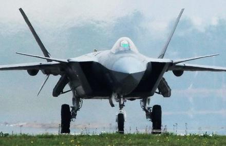 英媒:先进科技给予解放军优势 印度远远落后