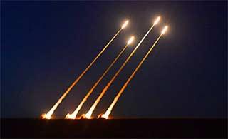 陆军防空导弹大漠齐射场面壮观