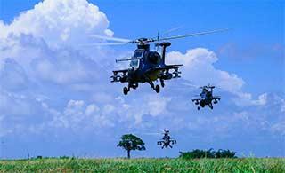 直10演练低空突防掠草地而过