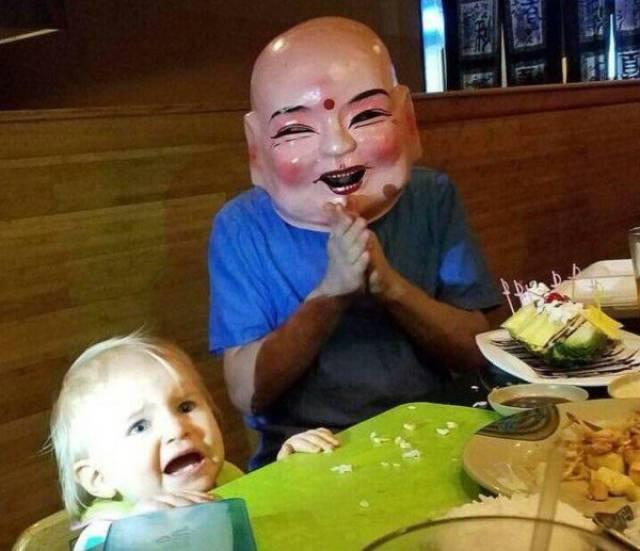 宝宝表示受到了惊吓图片