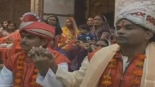 印度两有家室直男结婚 只为吸引神灵注意求雨