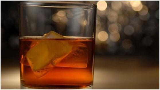 美国1/8民众受酒精障碍困扰 酒精滥用人数激增