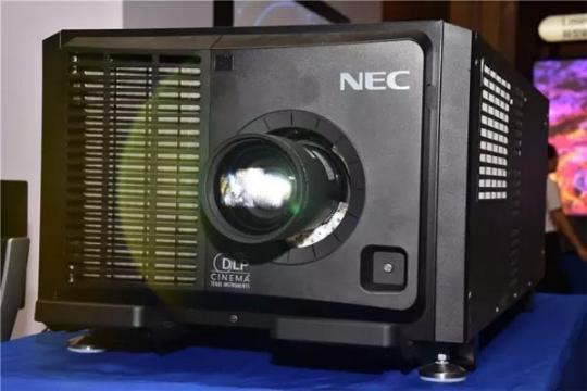 """重拳出""""激"""" NEC工程机巡展登陆太原"""