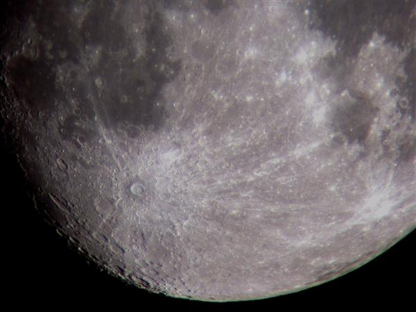 明年 人类或实现在月球上打电话!