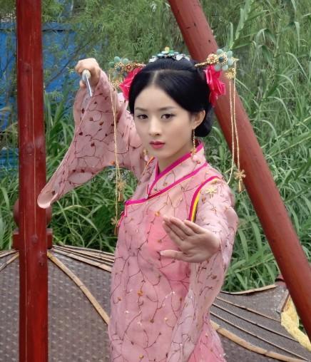 娱乐圈一股清流——赵丽颖,男科悍医