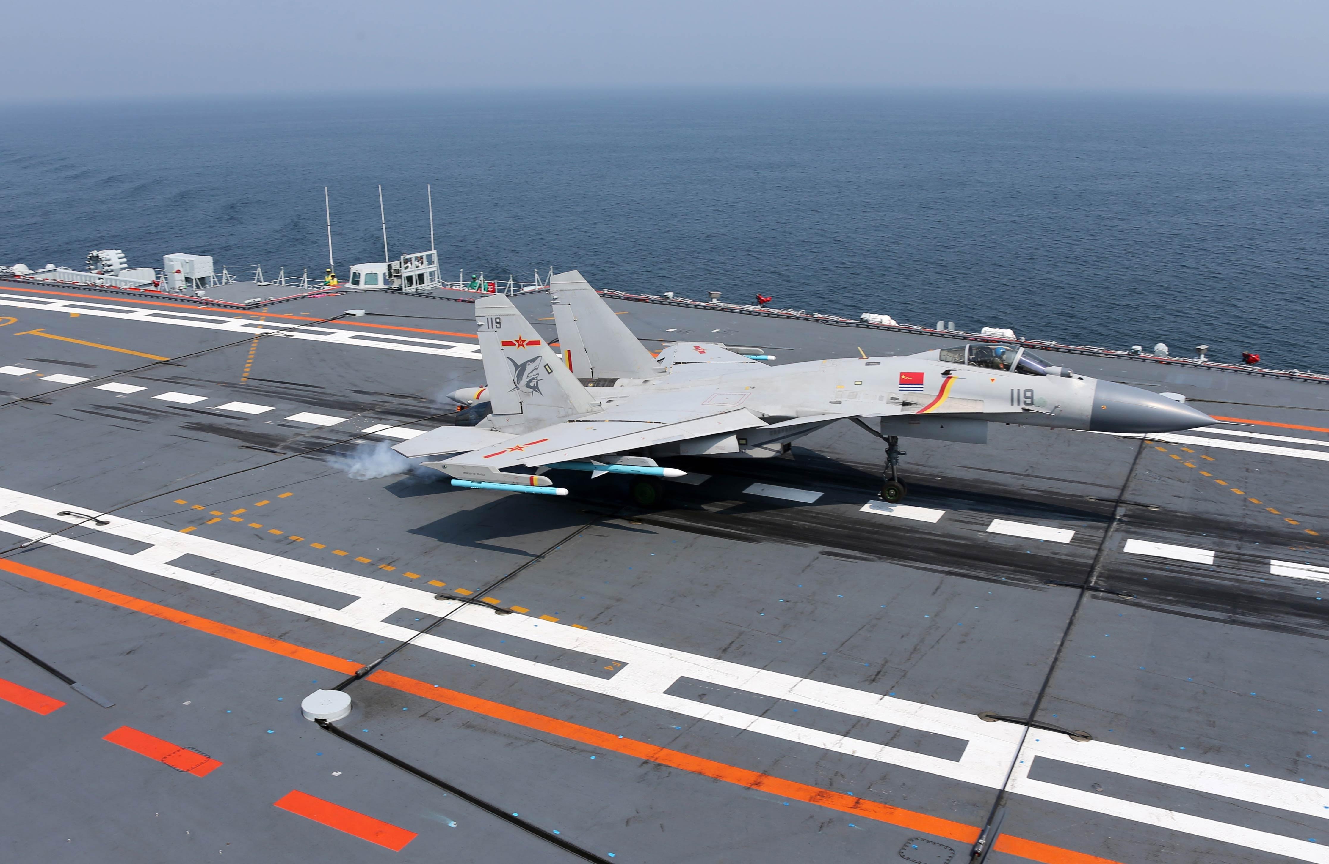 近日,中国航母编队巡航训练高清照曝光,装备细节一览无余.