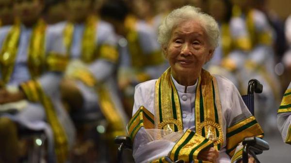 有梦就去追!泰国91岁奶奶拼搏10余年终获学士学位