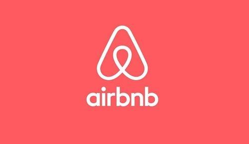 Airbnb回应情侣遭摄像头偷拍:已将房东移出并退款