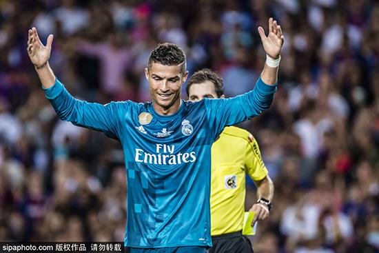 西超级杯-梅西点射C罗世界波+染红 巴萨1-3皇马