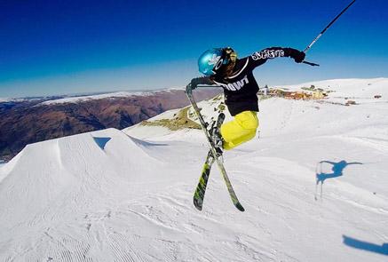 谷爱凌当元气少女爱上滑雪