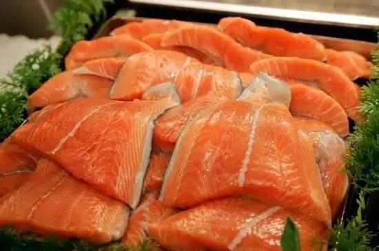 中国系首个研发转基因鱼国家:理论上已具应用条件