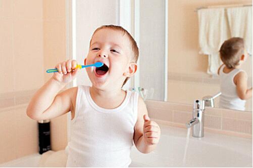 牙齿健康胃口棒 法媒教您正确选择儿童牙膏