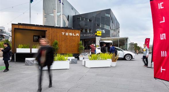 """特斯拉""""移动小木屋""""亮相澳大利亚 用电均为太阳能"""