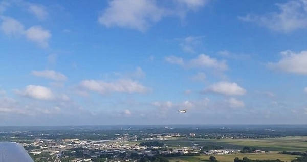 美国男子手机从300米高空坠落竟使用正常