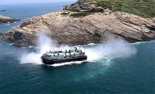 南海舰队部队立体投送演习