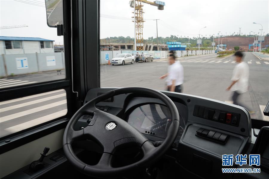 中国中车首款12米纯电动智能驾驶客车进行测试