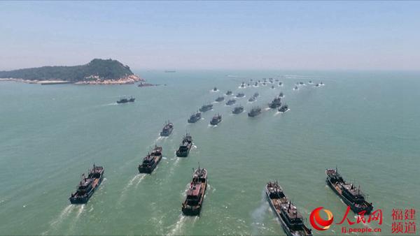 震撼!开渔季,航拍福建东山627艘渔船浩浩荡荡出海!