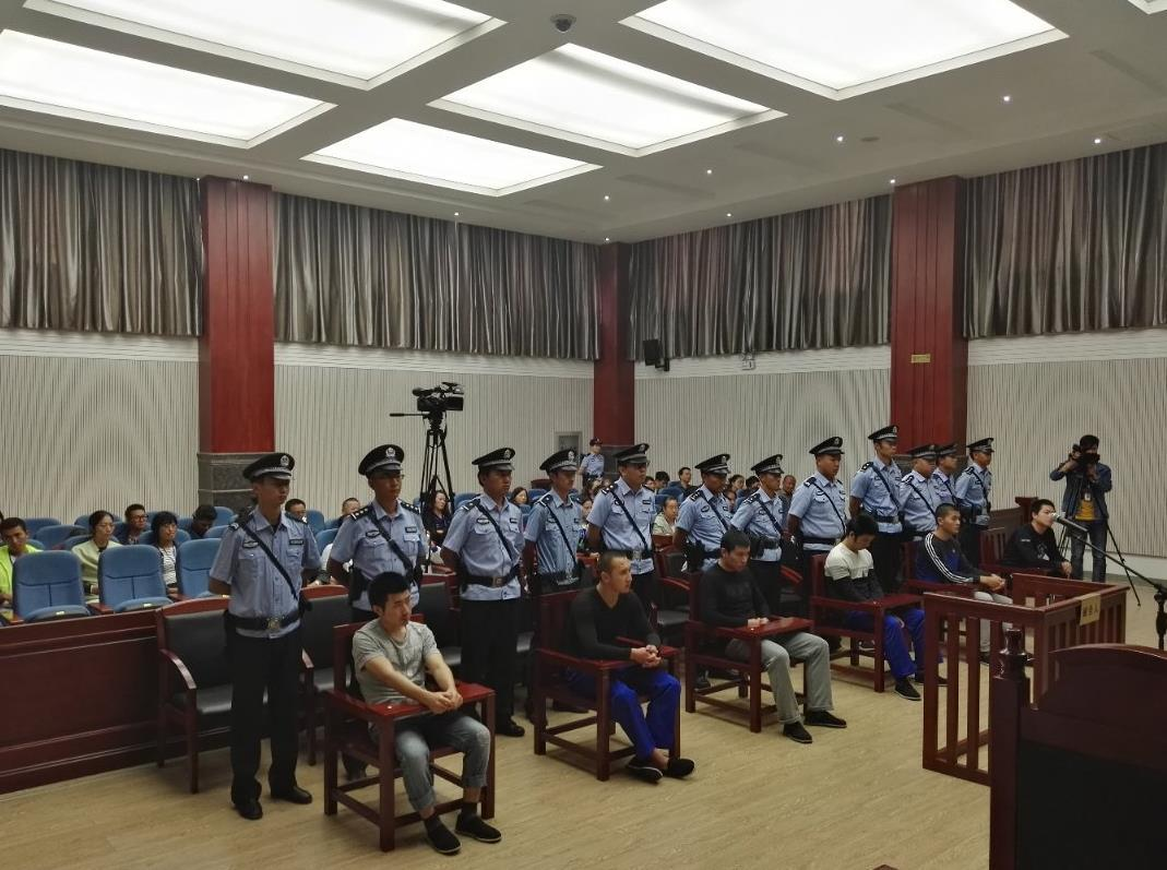 """""""女游客丽江被打""""刑事案一审公开宣判 六被告人当庭认罪服判"""
