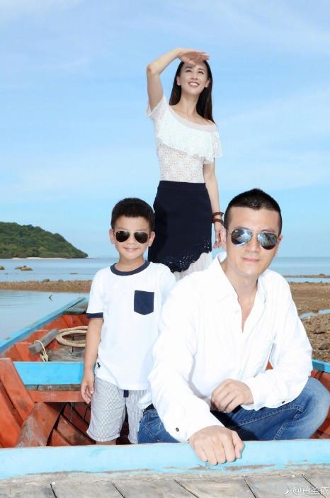 黄圣依杨子结婚10周年 小儿子首曝光