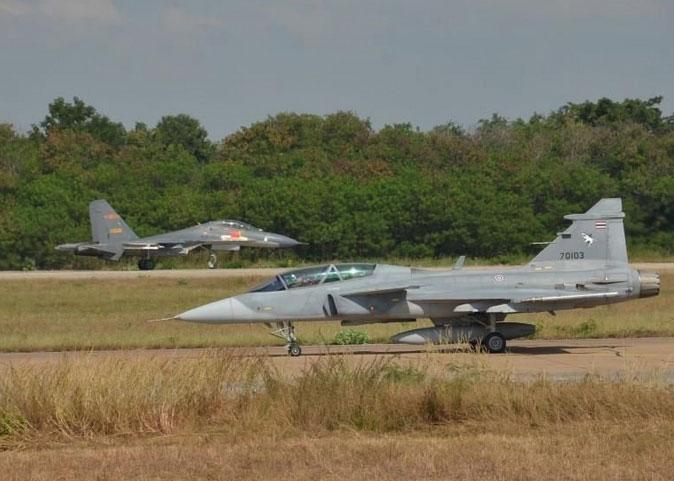 中泰空军举行联合训练:解放军6架战机飞赴泰国
