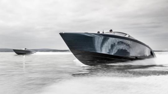 阿斯顿马丁设计的汽艇