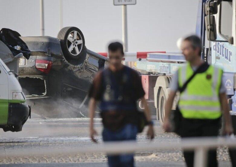 西班牙连环恐袭:警方击毙5名恐怖分子 7人受伤