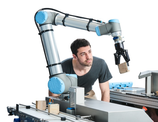 """世界机器人大会上的""""变形金刚""""们抢先看"""