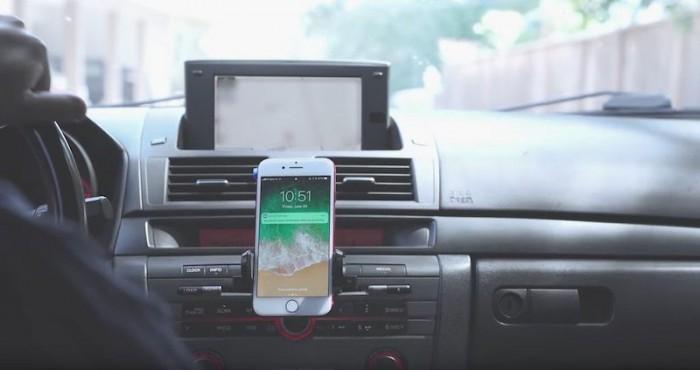 加州一司机分心驾驶酿事故 苹果:这个锅我们不背