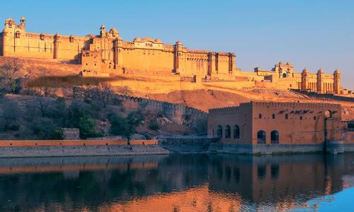 申请赴美H-1B签证 印度占七成