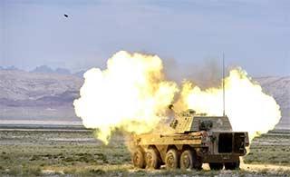 炮兵分队远程火力攻击狂轰滥炸
