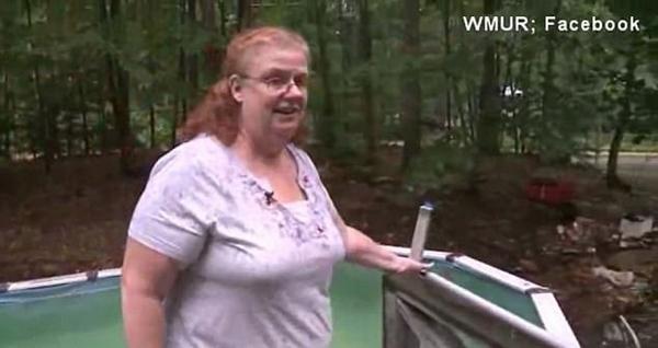 美老人被困泳池3小时 发脸书求救顺利脱险