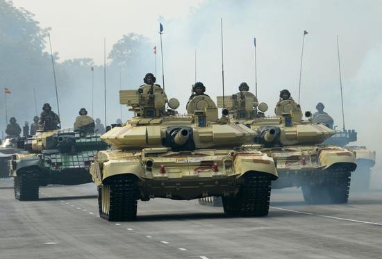 """印度军购重启""""超级买买买"""" 欲以市场换技术"""