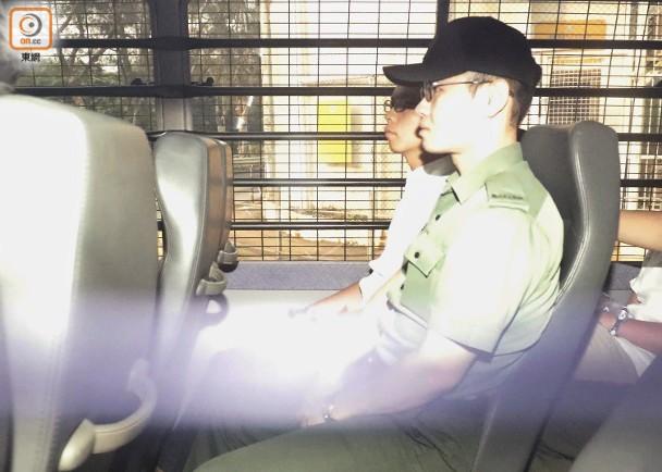 """黄之锋入狱剃头照首度曝光 被控""""藐视法庭罪""""今日结案陈词"""