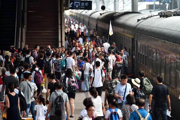 铁路暑运迎来返程高峰
