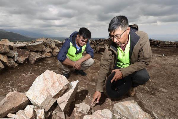 新疆温泉县发现青铜时代大型聚落遗址