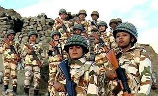 印度展示达拉克边防部队女兵