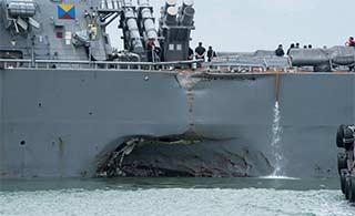 美被撞驱逐舰返回港口令人唏嘘