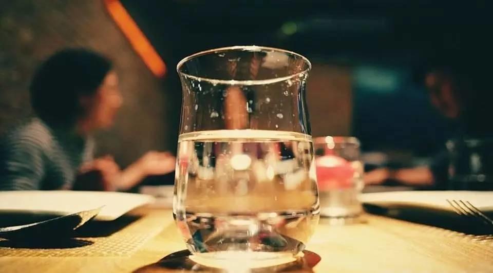 5种疾病与缺水有关!给不爱喝水的你一个喝水的理由