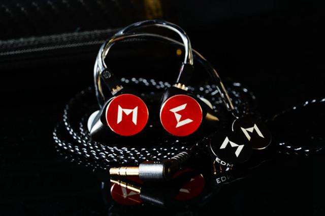 这个模块化耳机厉害了 想听什么风格自己换