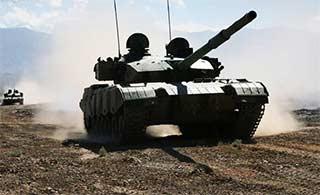 坦克部队高原山地实弹战斗演练