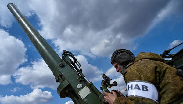 俄军出动两款能打核弹的大炮 浓浓的冷战画风