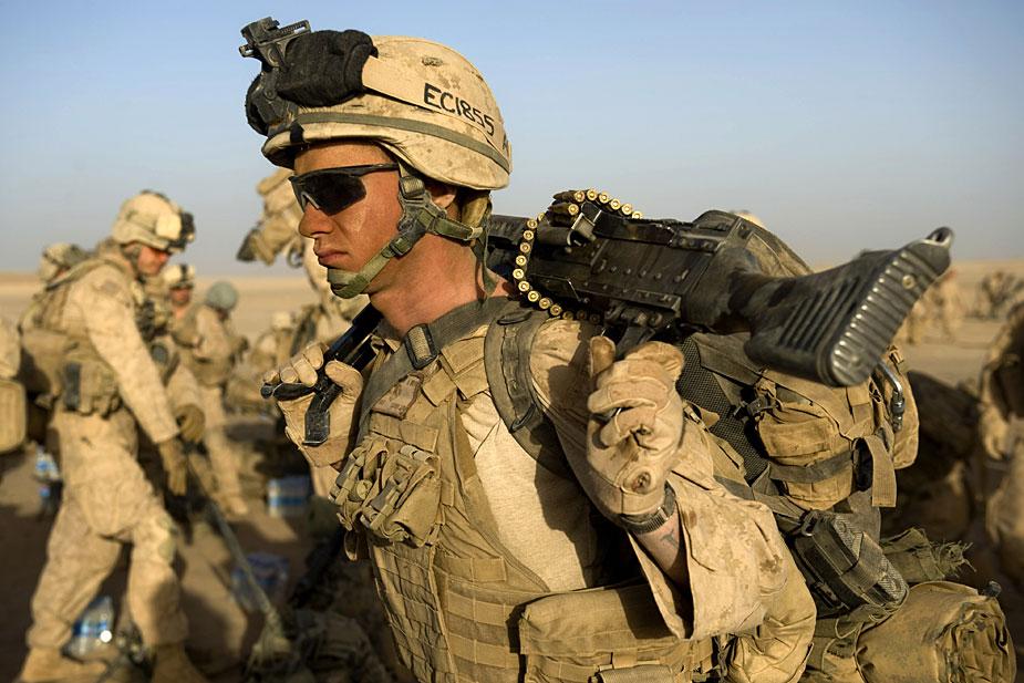 """李岩:美国在阿富汗""""以进为退"""" 为南亚添变数"""
