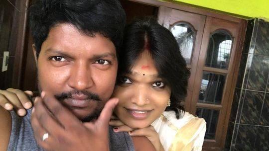 印度夫妻:丈夫46岁女变男,妻子21岁男变女