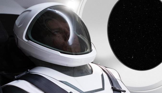 埃隆·马斯克公布了SpaceX太空服官方照片